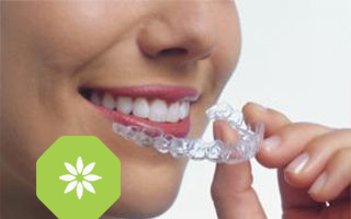 http://www.centrodentaletolmezzo.it/wp-content/uploads/2015/11/invisalign1-320x200.png